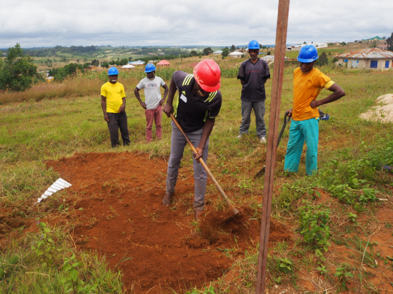 The day started by the participants to prepare the Drilling site